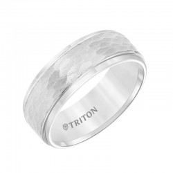 Tungsten carbide Step Edge Comfort Fit band with center hammered texture