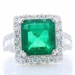 14K White Gold Emerald Gemstone Ring